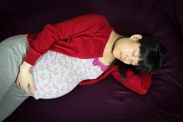 femme enceinte qui dort