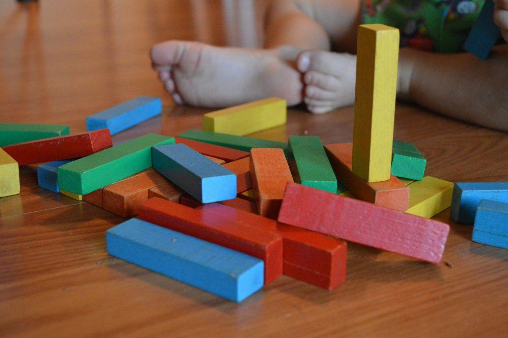 briques bois montessori